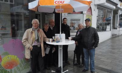 22.04.2017 Infostand in der Schweriner Str. vor dem Abgeordnetenbüro.