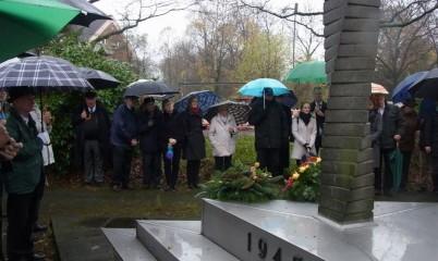 Sonntag, den 15. November 2015, überparteiliche, zentrale Gedenkfeier zum Volkstrauertag am Mahnmal an der Rahlstedter Straße/Ecke Buchwaldstraße