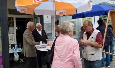 14.07.2018 – Infostand – Unterschriftensammlung gegen die Schließung des Freibades Rahlstedt
