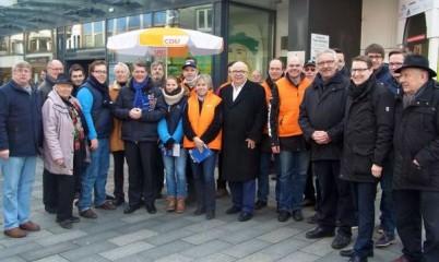 Letzter Info-Stand vor der Bürgerschaftswahl mit Dietrich Wersich und seinem Team