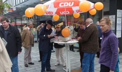 Letzter Info-Stand vor der Bundestagswahl in Rahlstedt, Schweriner Str.
