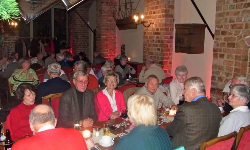 """Lichterfahrt nach Lüneburg, Besuch des Weihnachtsmarktes, Besichtigung des Rathauses und mit einem Festsessen im Gasthof """"Krone"""""""
